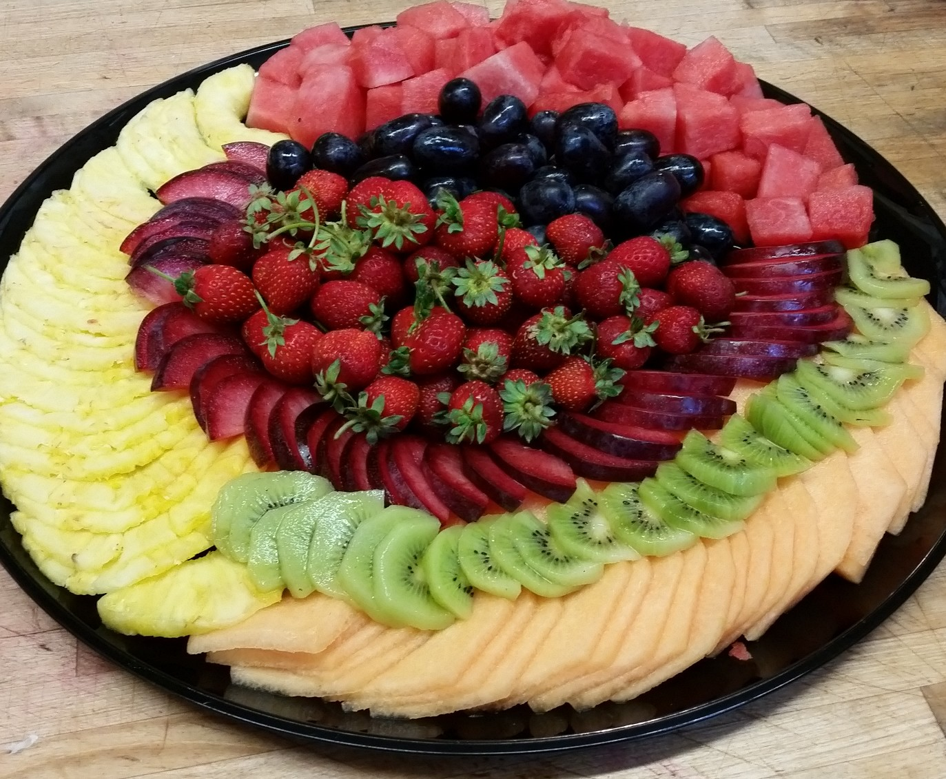 We make beautiful fruit trays!